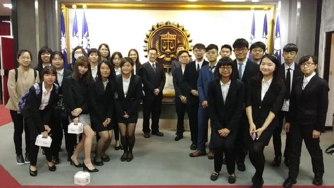 東海大學法律服務中心參訪律州聯合法律事務所與法務部調查局